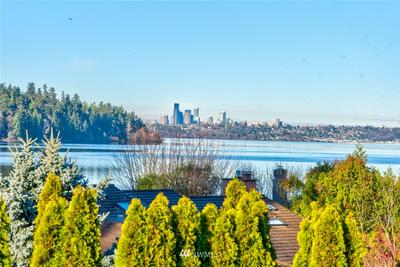 10 BROOK BAY RD, Mercer Island, WA 98040 - Photo 1