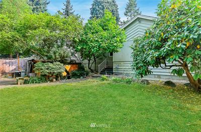 12044 14TH AVE NE, Seattle, WA 98125 - Photo 2