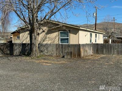 1919 COLUMBIA AVE, Bridgeport, WA 98813 - Photo 2