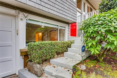 9811 SE 40TH ST, Mercer Island, WA 98040 - Photo 2