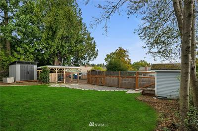 6250 36TH AVE NE, Seattle, WA 98115 - Photo 2