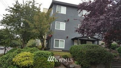 1400 E SPRUCE ST APT 2, Seattle, WA 98122 - Photo 2