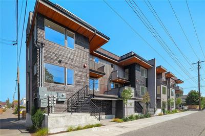 720 S WILLOW ST, Seattle, WA 98108 - Photo 2