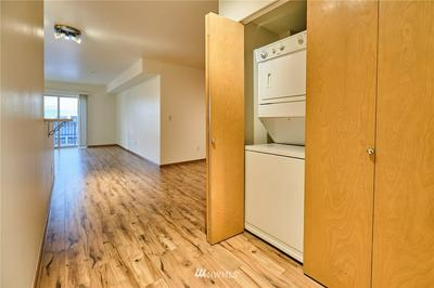 1125 E OLIVE ST APT 606, Seattle, WA 98122 - Photo 2