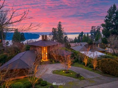 4620 84TH AVE SE, Mercer Island, WA 98040 - Photo 1
