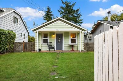 10034 STONE AVE N, Seattle, WA 98133 - Photo 2