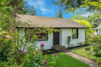 3903 NE 115TH ST, Seattle, WA 98125 - Photo 2
