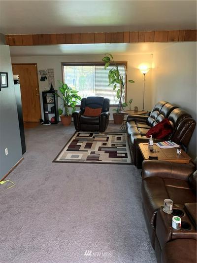 932 22ND ST NE, Auburn, WA 98002 - Photo 2