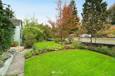 11529 PALATINE AVE N, Seattle, WA 98133 - Photo 2