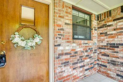 1921 OLD POST RD, Enid, OK 73703 - Photo 2