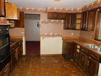7136 DERBY RD, Evans, NY 14047 - Photo 2