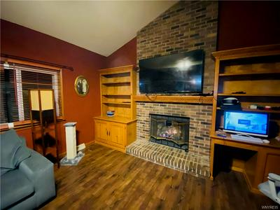 8 GALE DR, Lancaster, NY 14086 - Photo 2