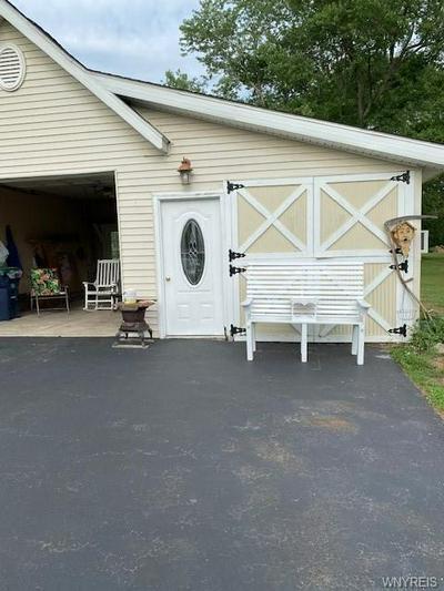 3205 BEEBE RD, Newfane, NY 14108 - Photo 2