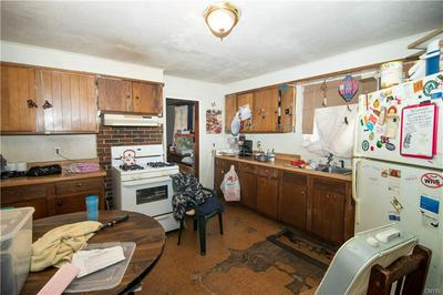 103 LAWRENCE ST, SYRACUSE, NY 13208 - Photo 2