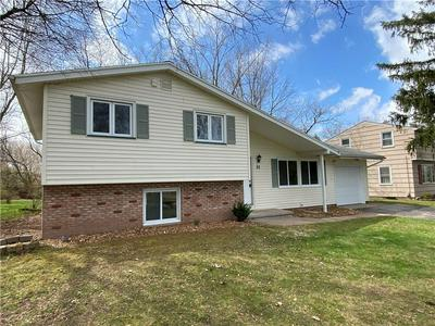 31 OVERLOOK DR, Parma, NY 14468 - Photo 2