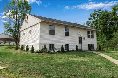 8121 GREINER RD, Clarence, NY 14221 - Photo 2