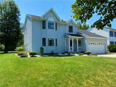 4 FAWN MEADOWS CT, Amherst, NY 14068 - Photo 1