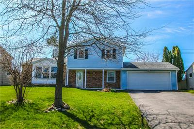 73 LITTLE TREE LN, Parma, NY 14468 - Photo 2