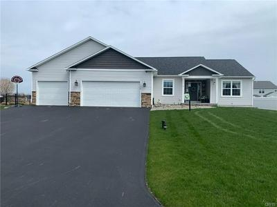 7038 CATTLEMANS CROSSING RD, Cicero, NY 13039 - Photo 1