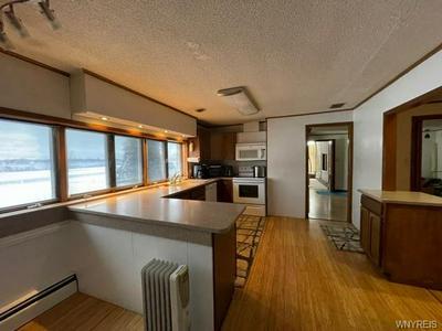 2837 W RIVER RD, Grand Island, NY 14072 - Photo 2