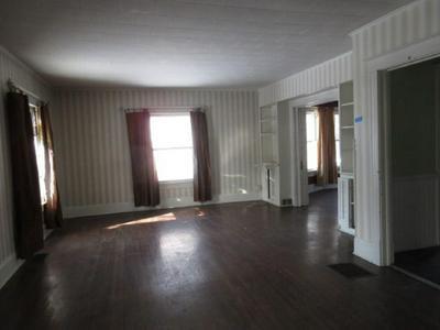 2043 RIDGE RD, ONTARIO, NY 14519 - Photo 2