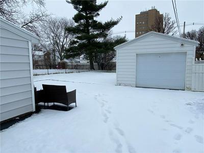 35 CIMARRON DR, Rochester, NY 14620 - Photo 2