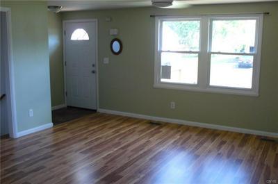 4282 AMBLEWOOD LN, Clay, NY 13041 - Photo 2