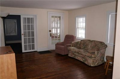 1812 VALLEY DR, SYRACUSE, NY 13207 - Photo 2