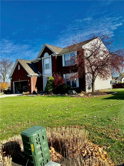 155 OLD CARRIAGE HOUSE RD, Grand Island, NY 14072 - Photo 2