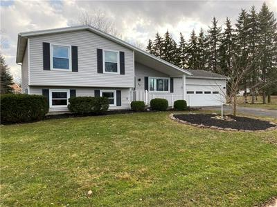 43 PEACH BLOSSOM RD S, Parma, NY 14468 - Photo 1