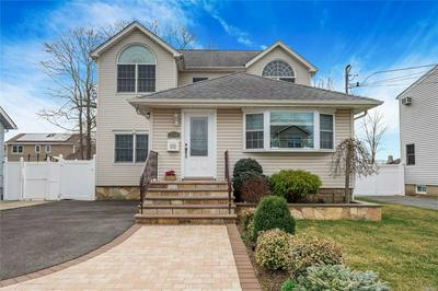 2660 ORCHARD ST, NORTH BELLMORE, NY 11710 - Photo 1