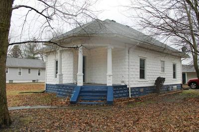 414 FRANCIS ST, GILLESPIE, IL 62033 - Photo 2