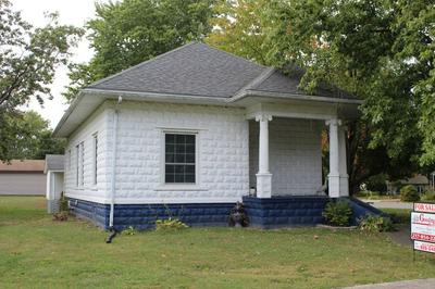 414 FRANCIS ST, GILLESPIE, IL 62033 - Photo 1