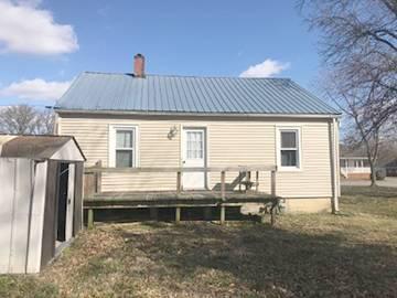 809 N EPWORTH ST, FAIRFIELD, IL 62837 - Photo 2