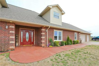 810 COTTONWOOD RD, Chickasha, OK 73018 - Photo 2