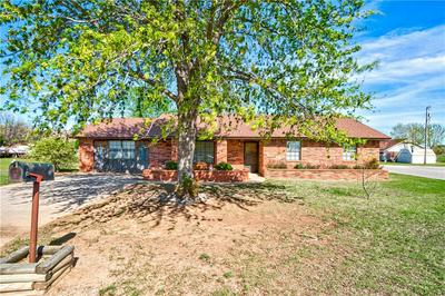 800 REEVES ST, Granite, OK 73547 - Photo 1