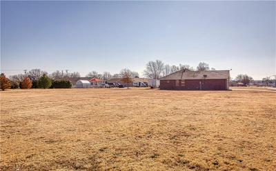 507 S CORDELL AVE, Cordell, OK 73632 - Photo 2
