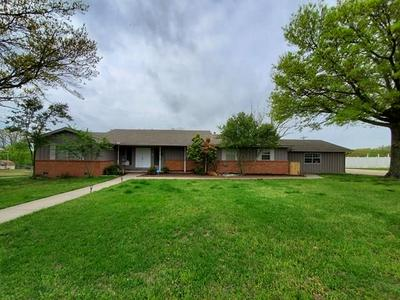 1905 OAKRIDGE DR, Seminole, OK 74868 - Photo 1