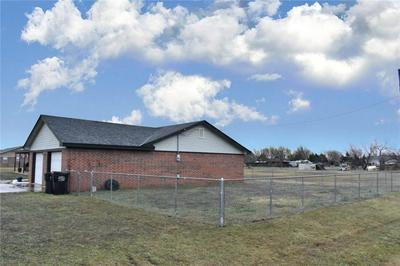 101 CLEARVIEW DR, Amber, OK 73004 - Photo 2