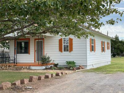406 N COLLEGE ST, Granite, OK 73547 - Photo 1