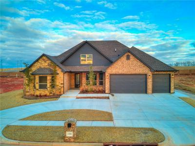 1184 COLONIAL AVE, Tuttle, OK 73089 - Photo 2