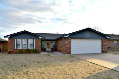 3221 PARK AVE, Chickasha, OK 73018 - Photo 1