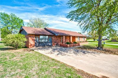 800 REEVES ST, Granite, OK 73547 - Photo 2