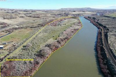 23217 W OLD INLAND EMPIRE HWY, BENTON CITY, WA 99320 - Photo 2