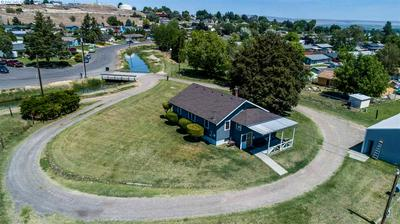 455 SW CRESCENT RD, Sunnyside, WA 98944 - Photo 2