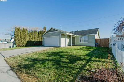 4415 CLYDESDALE LN, Pasco, WA 99301 - Photo 2