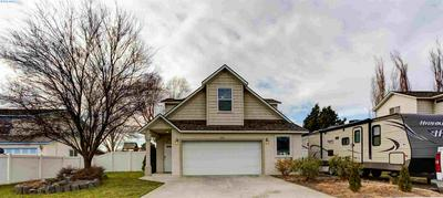 1304 N 37TH CT, Pasco, WA 99301 - Photo 1