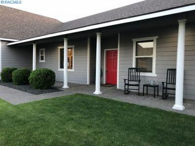 1589 SACAJAWEA AVE, Richland, WA 99352 - Photo 2