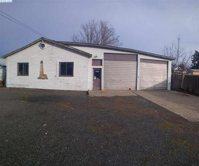 1717 S 8TH AVE, YAKIMA, WA 98902 - Photo 2