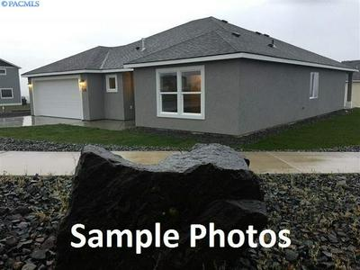 382 DAVIS ST, Connell, WA 99326 - Photo 1